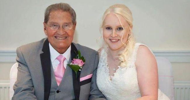 Felesége elvesztése után 26 éves rajongójával házasodott össze a 85 éves komikus