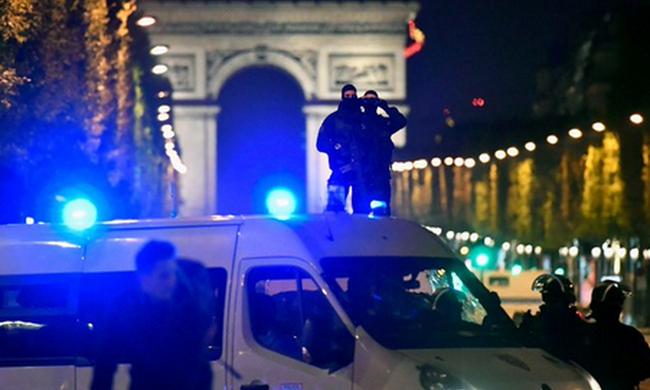 Ő gyilkolt: rendőrt ölt a párizsi merénylő