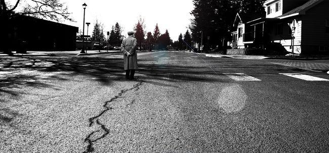 Ok nélkül vert meg egy 90 éves bácsit az utcán