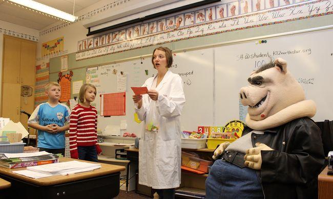 Pedagógus képesítés nélküli tanárok jelenhetnek meg az Ön gyereke osztályában is