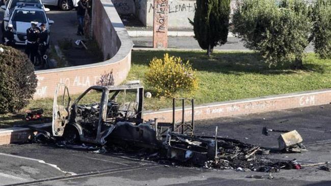 Kínhalált halt három fiatal lány, miután rájuk gyújtották az otthonukat
