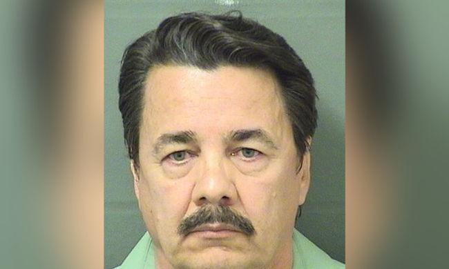 Elrabolta és megerőszakolta utasát a sofőr