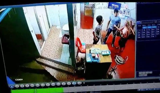Megvertek egy 10 éves kisfiút a nyilvános vécében