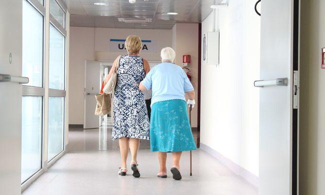 Szomorú összefüggés: idősebb orvosoknál nagyobb eséllyel halnak meg a betegek