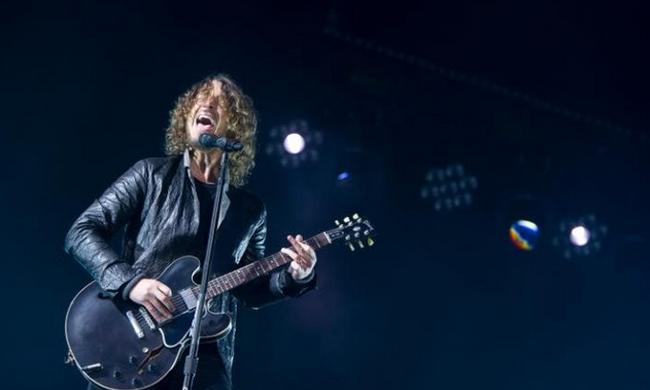 Bejelentette a család: nem öngyilkosság okozta a híres énekes halálát