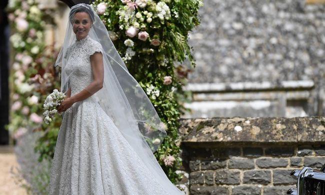 Ünnepelt a brit királyi család: férjhez ment Katalin hercegné húga