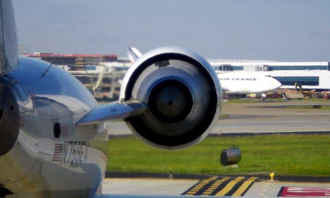 Teherautóval ütközött egy repülő