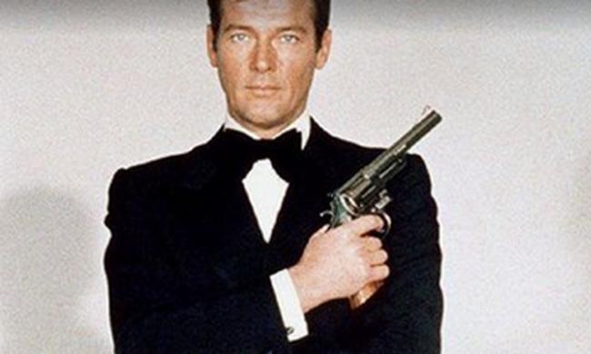 Most érkezett: elhunyt a James Bond filmek sztárja