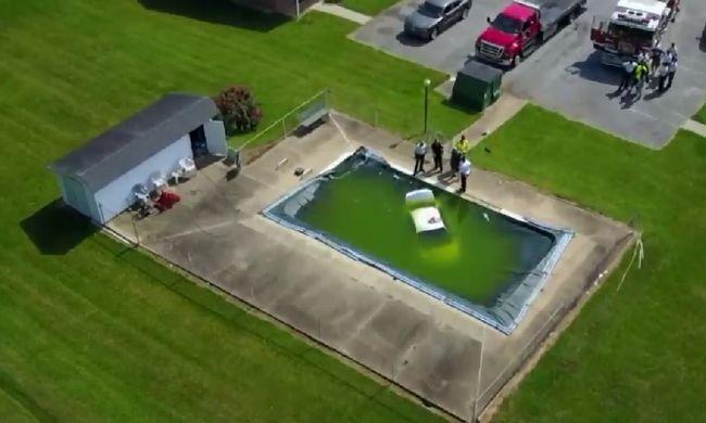 Alig hitték el a lakók, mi van a medencéjükben