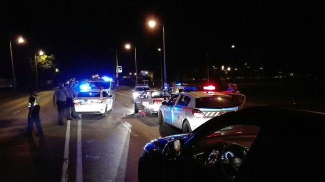 Autósüldözés volt Győrben, a benzinkút személyzetére támadt egy férfi