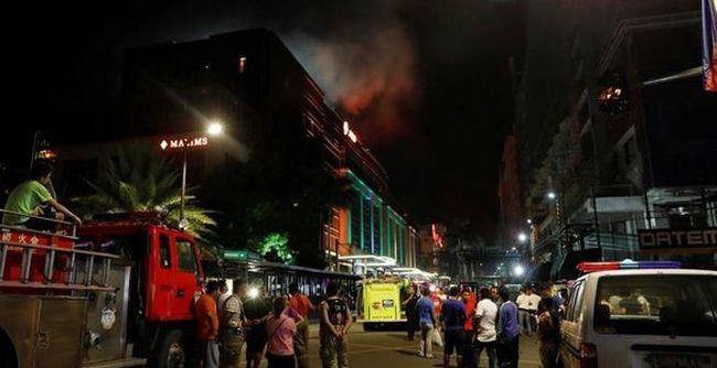 Sikoltozva menekültek a vendégek, több tucat ember meghalt a szállodában - videó