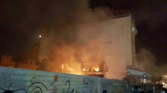 Robbanás történt az emberekkel teli áruháznál, lángol az épület