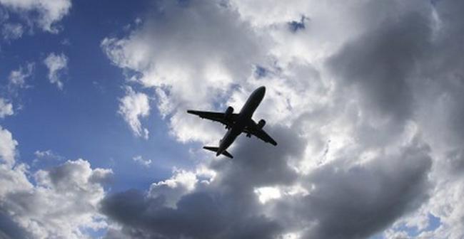 Egy 8 éves kislány is életét vesztette a strandon, kisgép hajtott végre kényszerleszállást