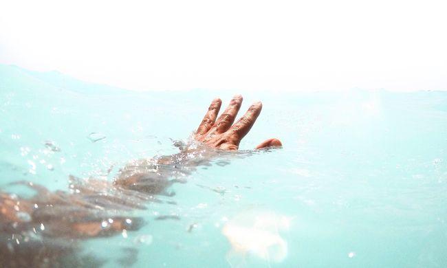 A bányató mélyén ragadt a fiatal, megfulladt