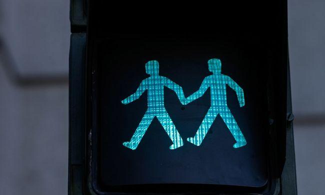 Furcsa közlekedési lámpák jelentek meg a kereszteződésekben