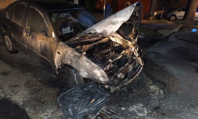 Játékból, papírtörlőkkel tettek teljesen tönkre egy autót az egri tinik