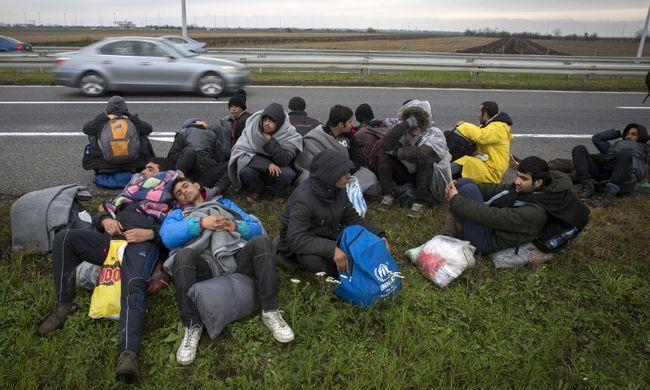 Kiderült: ennyi migráns jutott át a magyar határokon a hétvégén