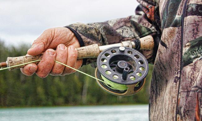 Élete legijesztőbb élményét vette videóra a két horgász: gigantikus teremtmény akadt a horgukra