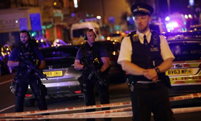 Terrordivat: elszabadult az Egyesült Királyságban a pokol