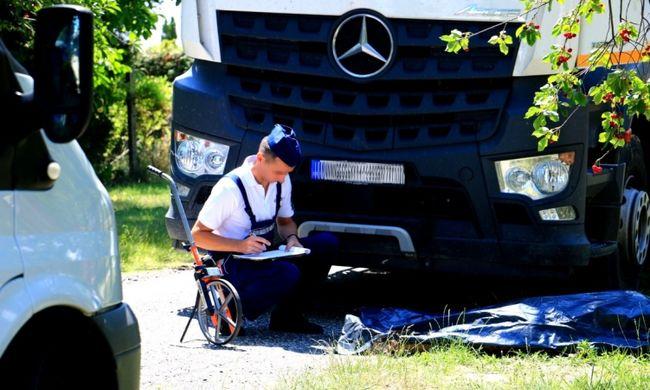 Nagy a dugó: idős néni halt meg Balatonkeresztúron - fotó