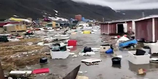 Szökőár pusztított, életét vesztette egy család