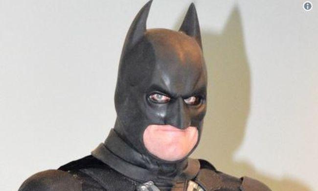 Lecsapott Batman az áruházban