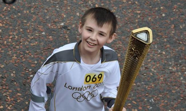 Édesanyja közölte: meghalt a fiú, aki elesett az olimpiai lánggal