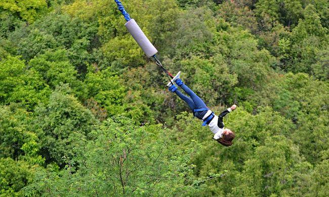 Rejtélyes baleset: bungee jumpingozás közben halt meg az ápolónő