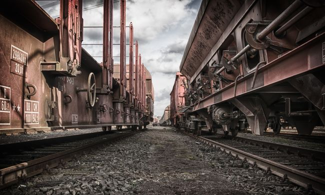 Biciklist gázolt halálra a vonat