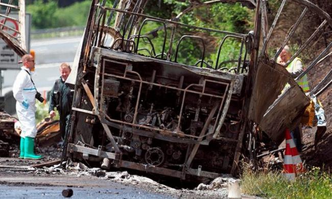 Bejelentették: 18 halálos áldozata van a busztragédiának