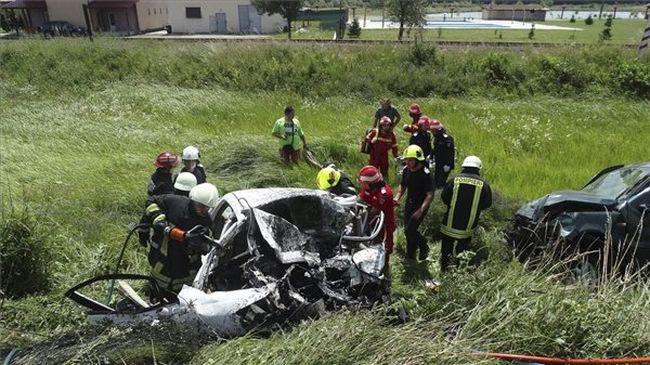 Megrázó fotó: rommá tört a kocsi, mindenki meghalt a magyarok autójában