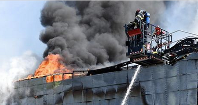 Most jött a hír: lángokban áll a sportcsarnok