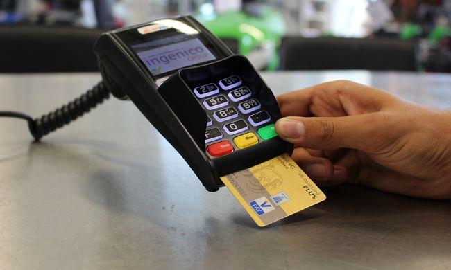 Így fizetnek a magyarok, egyre többet használjuk a bankkártyát külföldön