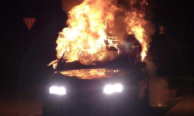 Bulizás után égett benn autójában a fiatal