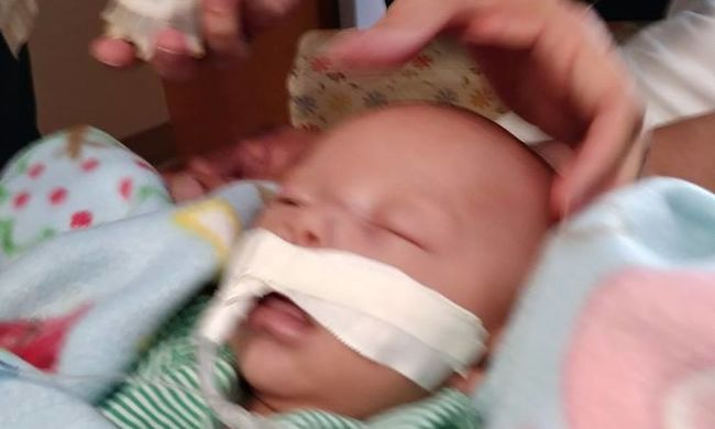 Felfoghatatlan: szoptatás közben halt meg a kisbaba