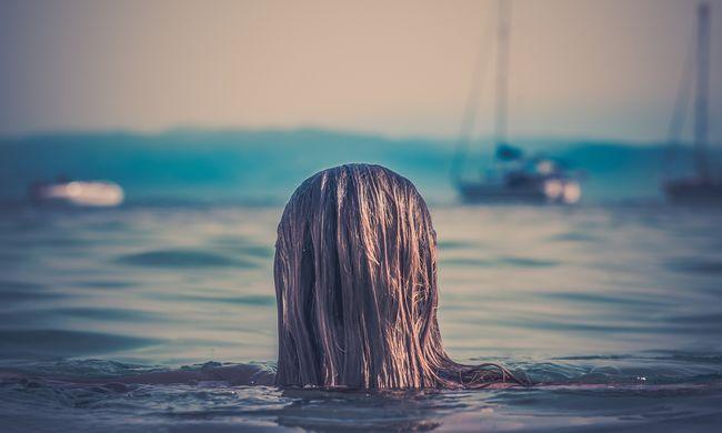 Úszva menekült el a karambol helyszínéről a sofőr