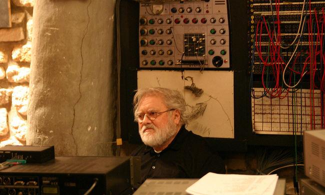 Szomorú hírt kaptunk: elhunyt a híres filmzenék szerzője, a modern zene atyja