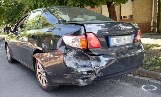 Eltiltották a vezetéstől, de nem foglalkozott vele, összetörte a kocsikat Békéscsabán
