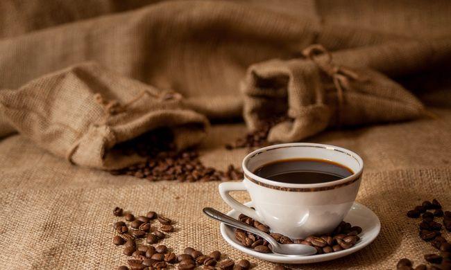 Jó hír a kávéimádóknak: tovább élnek