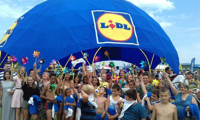 Több mint 8000 résztvevő a 35. Lidl Balaton-átúszáson