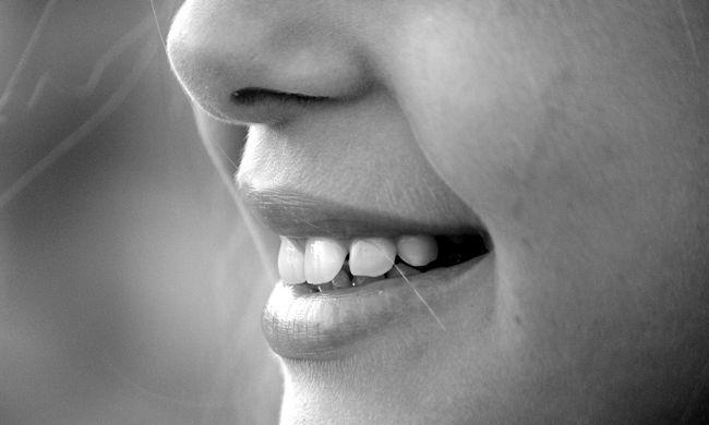 Meg akarta erőszakolni a nőt, de az leharapta a nyelvét