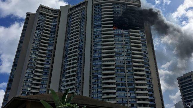 Kigyulladt a magasház, legalább három lakó meghalt