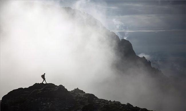 Esővel jön a sűrű köd, de a szélvihartól se szabadulunk