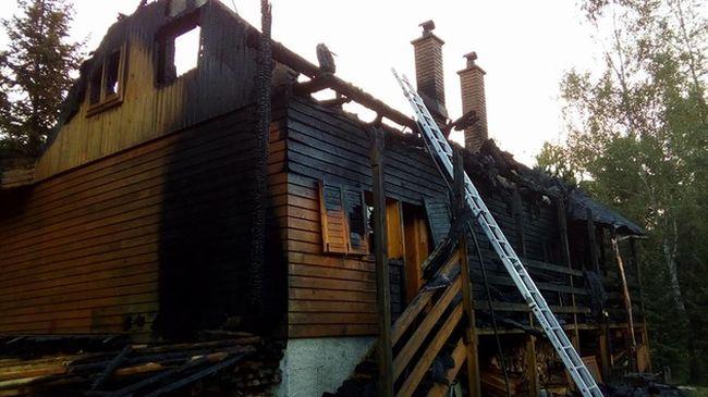 Tragikus nyaralás: egy család égett benn a vendégházban