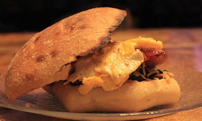Undorító szendvicset árultak a gyorsétteremben, a vevő azóta orvoshoz jár