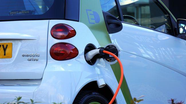 Lépnek a britek: sem benzines, sem dízel új autókat nem lehet venni 2040-től