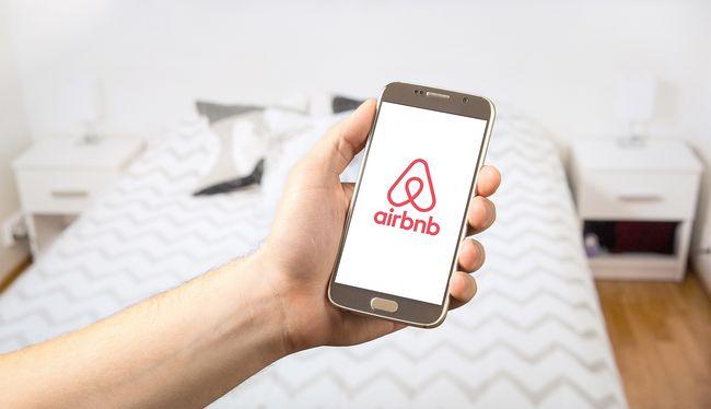 Kegyetlenül végzett vendégével az Airbnb szállásadó, nem akart fizetni a férfi