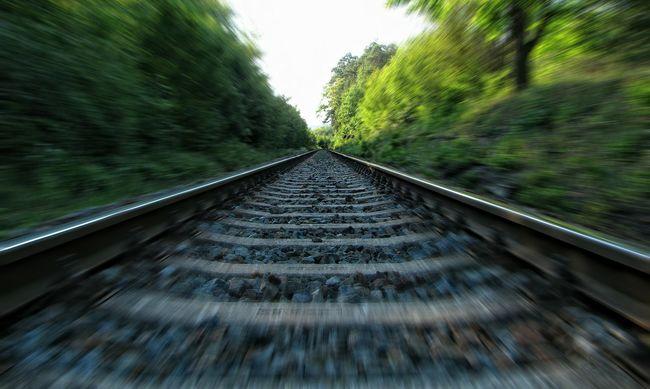 Tragédia történt, vonat gázolta el a biciklist