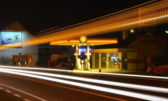 Jó hír érkezett az autósoknak: ennyivel lesz olcsóbb a tankolás