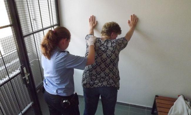 Szökésben lévő bűnözőt kaptak el a debreceni reptéren